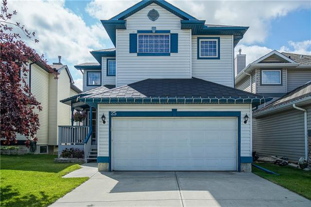 25 COUNTRY HILLS GR NW, 4 bed, 2.1 bath, at $559,900
