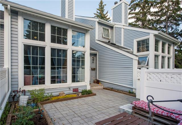 #58 28 BERWICK CR NW, 2 bed, 2.1 bath, at $299,900