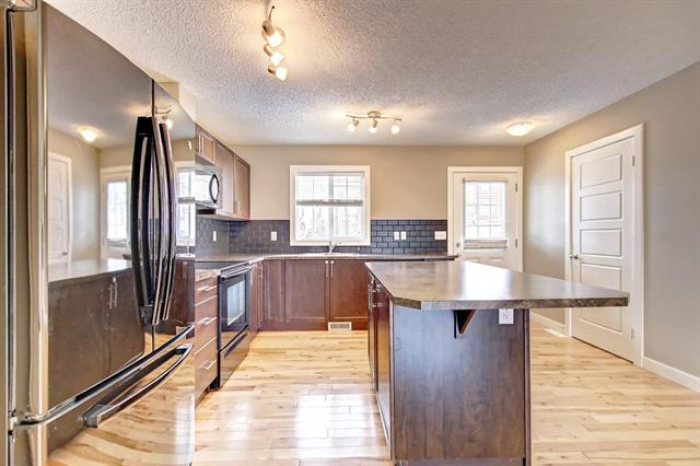 591 PANATELLA BV NW, 3 bed, 2.1 bath, at $294,888