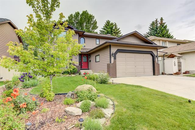 118 SUNSET WY SE, 4 bed, 3.1 bath, at $724,900