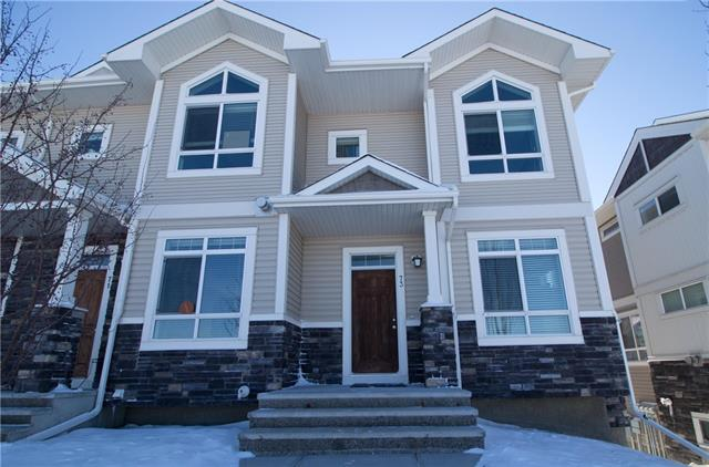 73 SKYVIEW RANCH GD NE, 2 bed, 2.1 bath, at $292,500