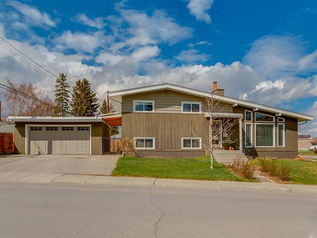 4 KINGSLAND PL SW, 3 bed, 2 bath, at $709,900