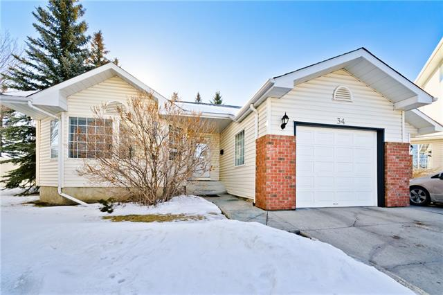 34 Lincoln GR SW, 3 bed, 3 bath, at $369,900