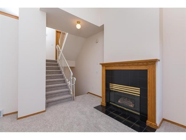 20 GLENBROOK VI SW, 2 bed, 1.1 bath, at $325,800
