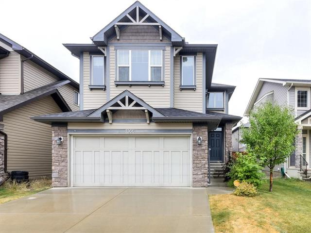 1366 NEW BRIGHTON DR SE, 4 bed, 3.1 bath, at $499,900