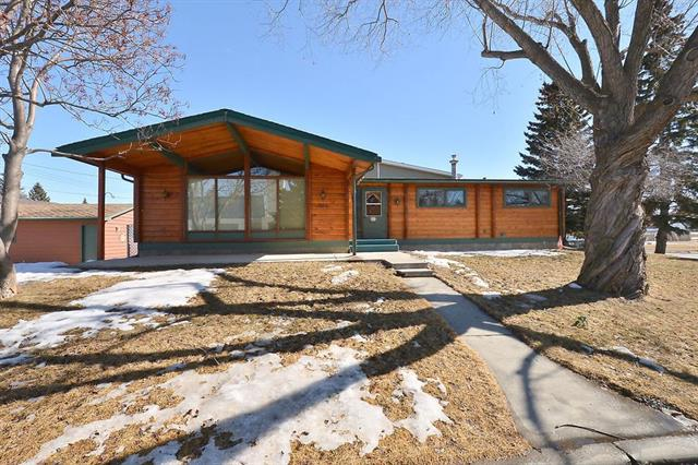 808 2 ST SW, 4 bed, 2.1 bath, at $296,000