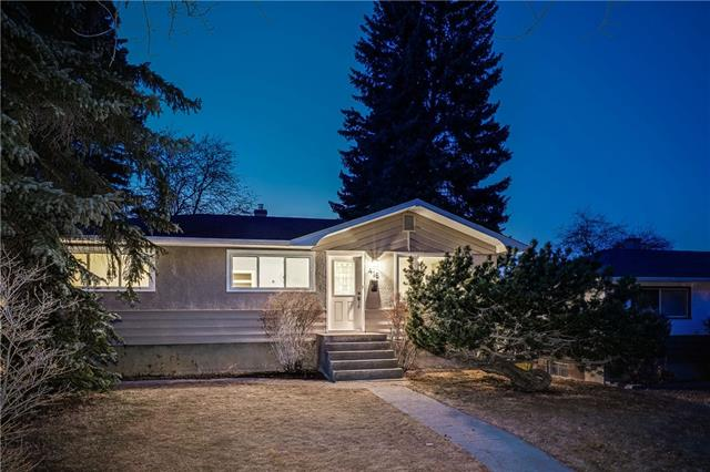 416 BLACKTHORN RD NW, 4 bed, 2 bath, at $519,900