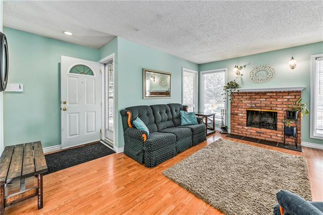 16 SUNBANK CO SE, 4 bed, 2.1 bath, at $369,999