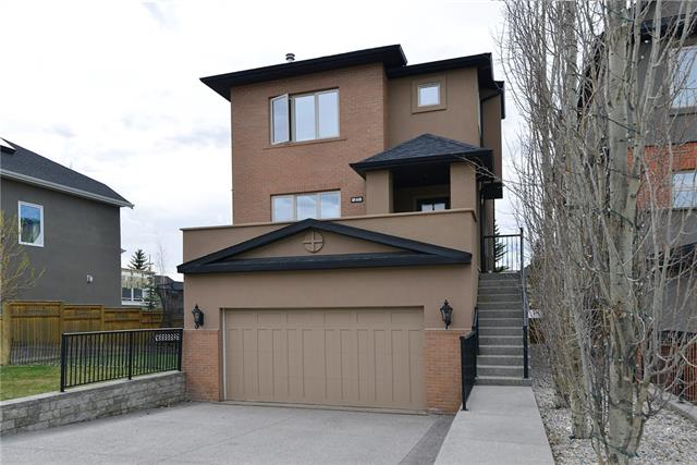 27 ASPEN MEADOWS GR SW, 4 bed, 3.1 bath, at $869,000