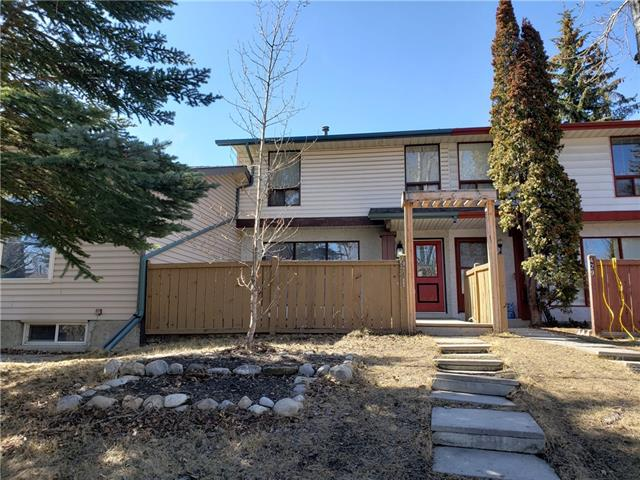 431 RANCHVIEW CO NW, 3 bed, 2.1 bath, at $299,000