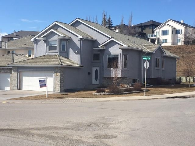 393 ARBOUR LAKE DR NW, 3 bed, 3.1 bath, at $599,999