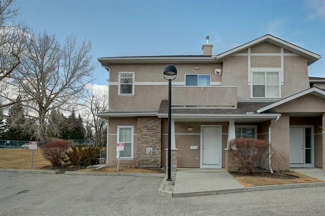 39 PARKRIDGE VW SE, 2 bed, 2 bath, at $369,900