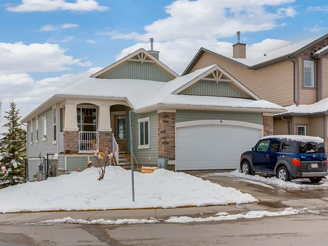 4 SUNSET CL , 3 bed, 2.1 bath, at $589,000