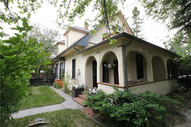 551 7 ST SW, 3 bed, 2 bath, at $369,587