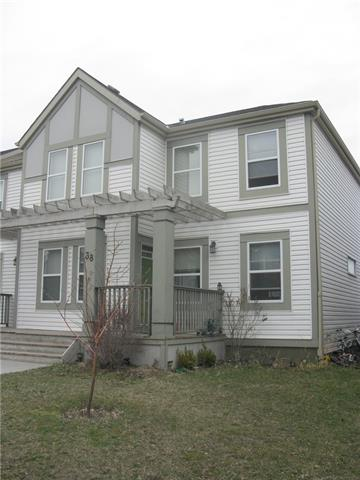 38 COPPERPOND PL SE, 3 bed, 3.1 bath, at $325,000