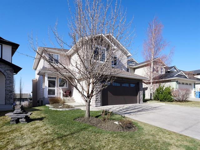 33 ARBOUR CREST HT NW, 5 bed, 3.1 bath, at $699,900