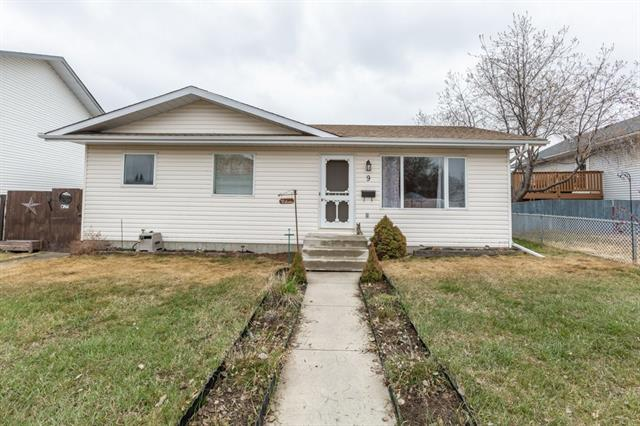 9 GREENVIEW WY , 3 bed, 2 bath, at $319,900