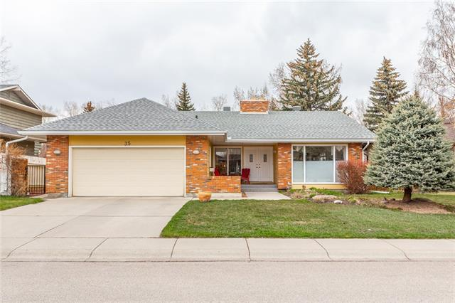 35 MIDVALLEY CR SE, 5 bed, 3 bath, at $740,000