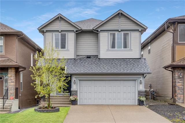 20 EVANSVIEW MR NW, 3 bed, 2.1 bath, at $629,900