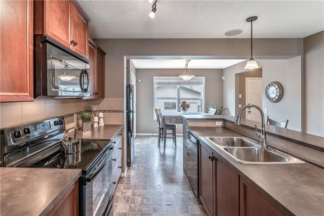 38 SKYVIEW POINT RD NE, 4 bed, 3.1 bath, at $412,900