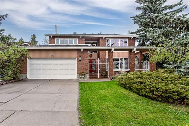 75 CANTERBURY DR SW, 4 bed, 2.2 bath, at $774,900