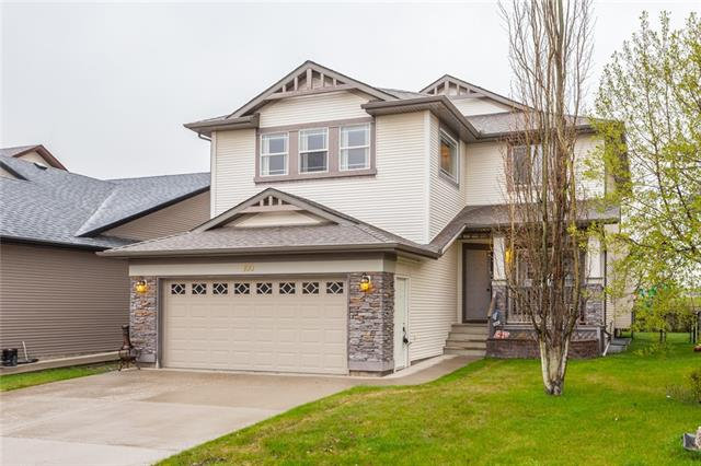 100 COUGARSTONE MR SW, 5 bed, 3.1 bath, at $616,000