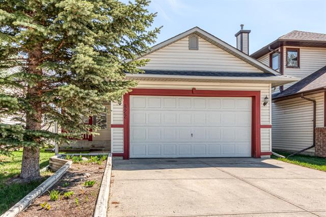 822 COVENTRY DR NE, 3 bed, 3 bath, at $389,900