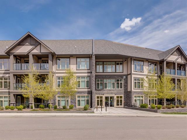 #28 45 ASPENMONT HT SW, 2 bed, 3 bath, at $498,800