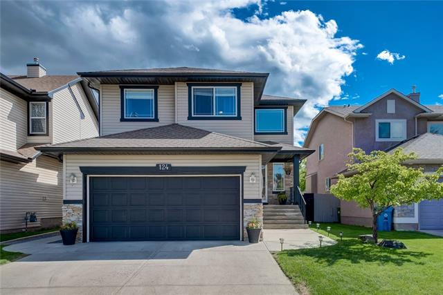 124 WENTWORTH CL SW, 3 bed, 3 bath, at $549,900