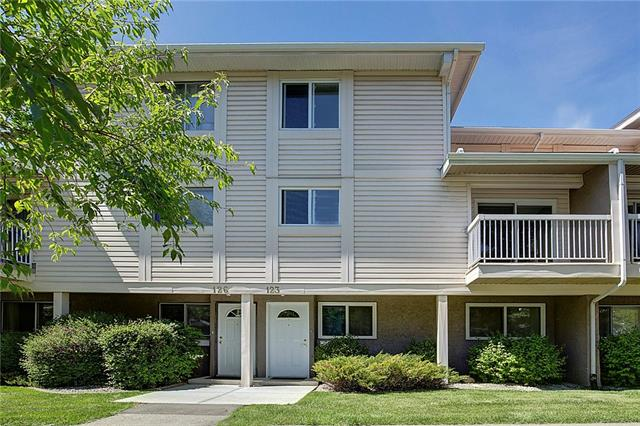 #123 3015 51 ST SW, 2 bed, 1 bath, at $229,900