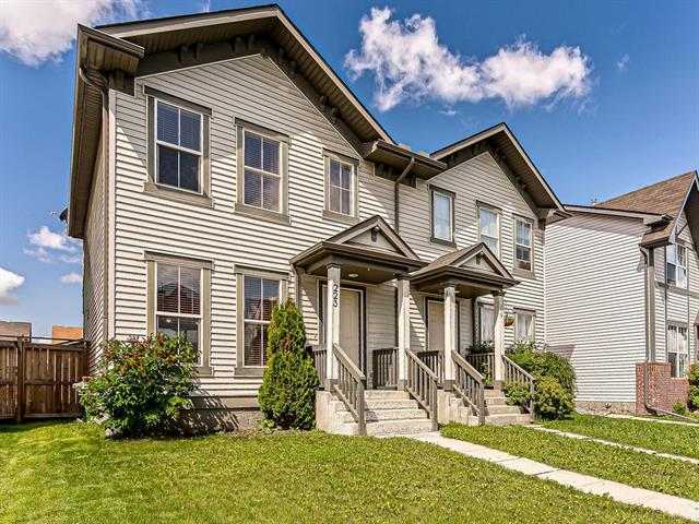 223 ELGIN PT SE, 3 bed, 3 bath, at $319,900