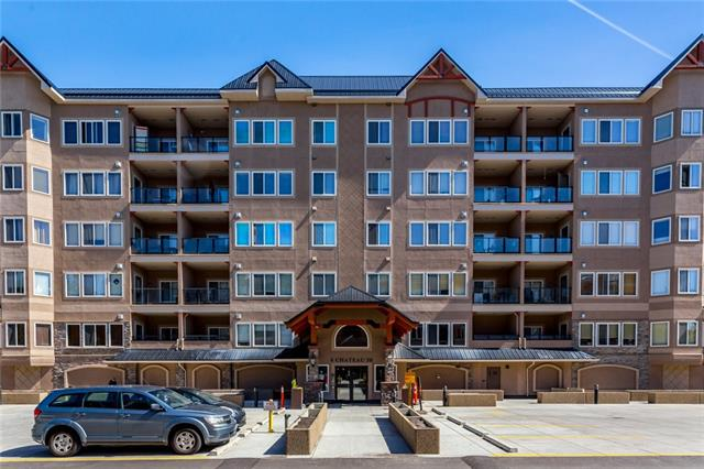 #203 30 DISCOVERY RIDGE CL SW, 2 bed, 2 bath, at $309,900
