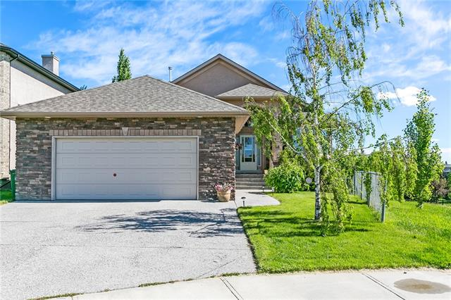 60 EVERGLADE CI SW, 3 bed, 3 bath, at $889,900