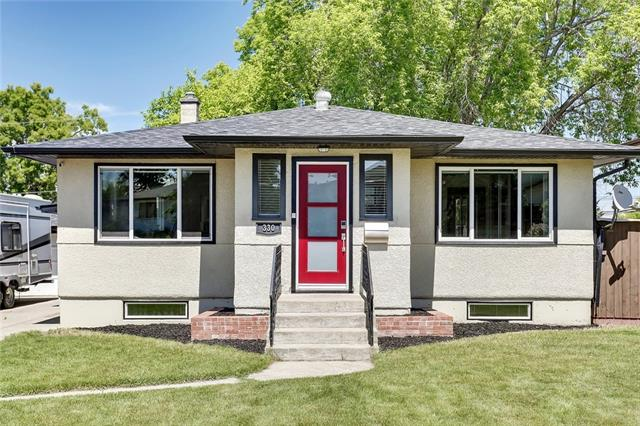 330 33 AV NE, 3 bed, 2 bath, at $599,000
