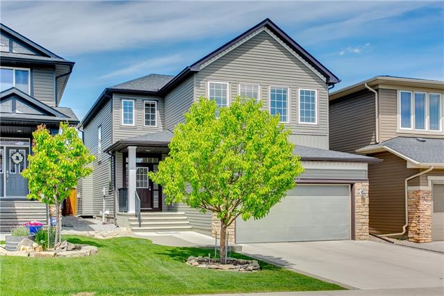 34 EVANSPARK HT NW, 3 bed, 3 bath, at $559,800