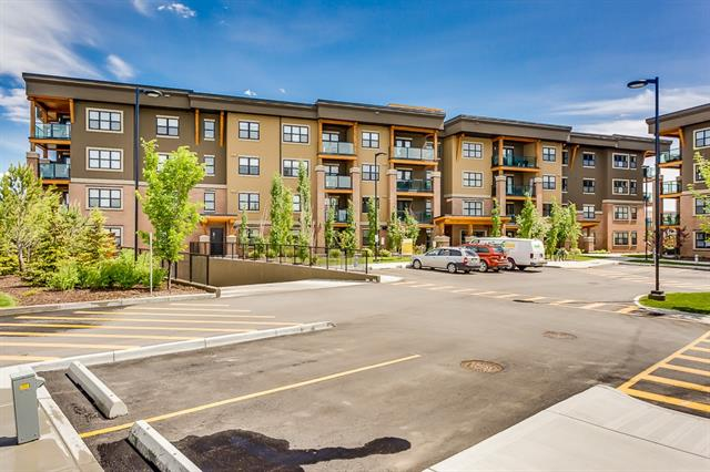 #1309 10 MARKET BV SE, 2 bed, 2 bath, at $424,900