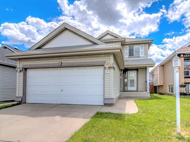 642 COVENTRY DR NE, 3 bed, 3 bath, at $399,900