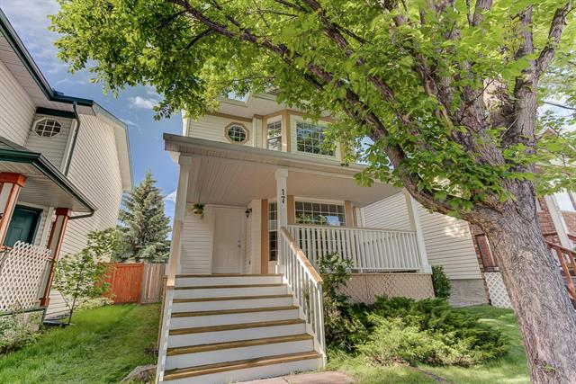 17 HIDDEN SPRING CI NW, 3 bed, 3 bath, at $369,800