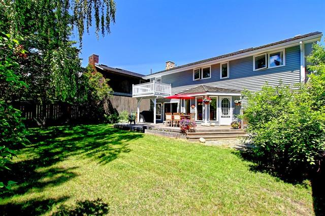 27 CANTERBURY DR SW, 4 bed, 4 bath, at $738,000
