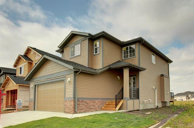 864 HAMPSHIRE CR NE, 3 bed, 3 bath, at $414,900