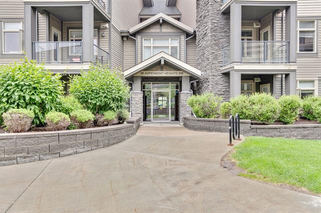 #243 35 ASPENMONT HT SW, 2 bed, 2 bath, at $369,900