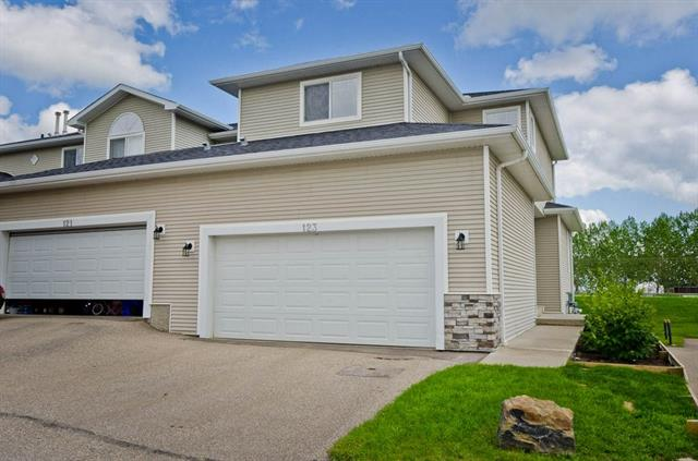 123 Hillview TC , 3 bed, 2 bath, at $230,000