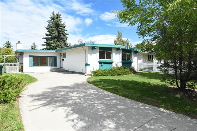 812 CANTERBURY DR SW, 3 bed, 3 bath, at $340,000