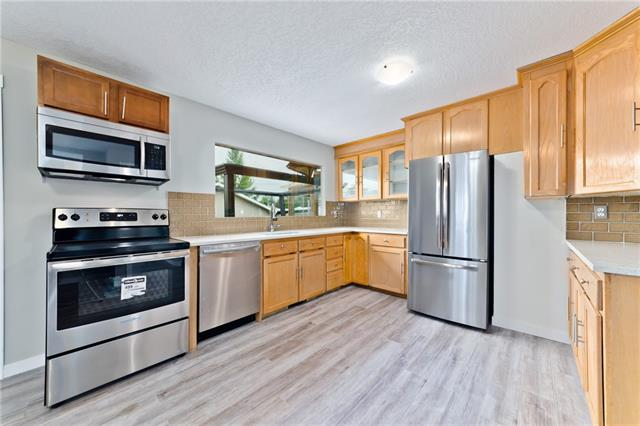 5414 VALENTINE CR SE, 3 bed, 1 bath, at $309,888