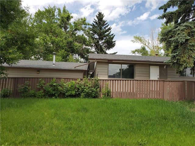 3474 32A AV SE, 5 bed, 2 bath, at $298,900