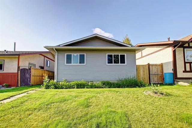92 RIVERBIRCH CR SE, 3 bed, 2 bath, at $369,900