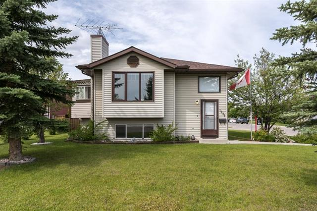 1001 11 ST SE, 4 bed, 2 bath, at $319,900