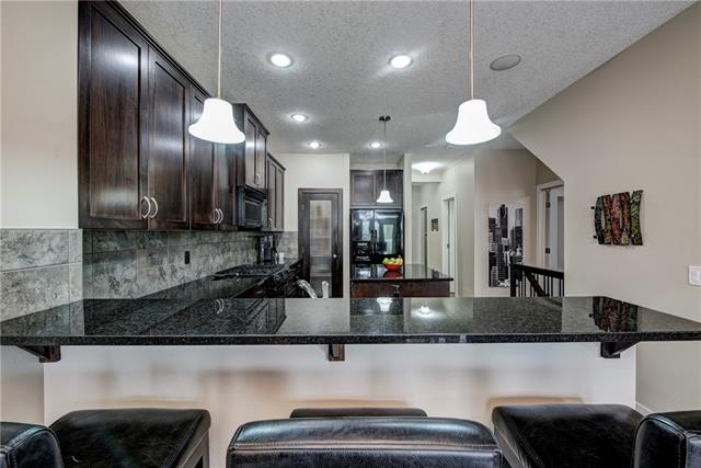 623 COPPERPOND CI SE, 3 bed, 3 bath, at $519,900