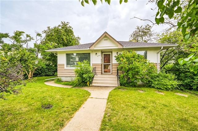 2322 19 ST SW, 4 bed, 2 bath, at $425,000