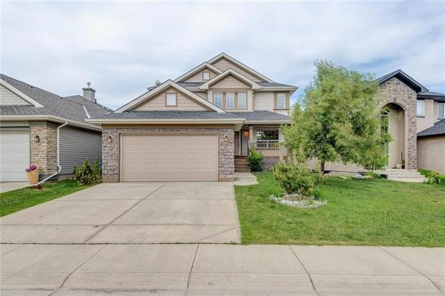 74 COUGARSTONE CR SW, 5 bed, 4 bath, at $699,888